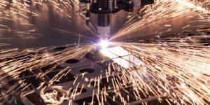 Plasmaschneiden von Stahl und Edelstahl